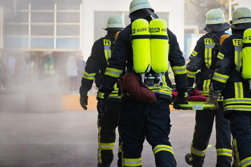 Servicio profesional contra incendios